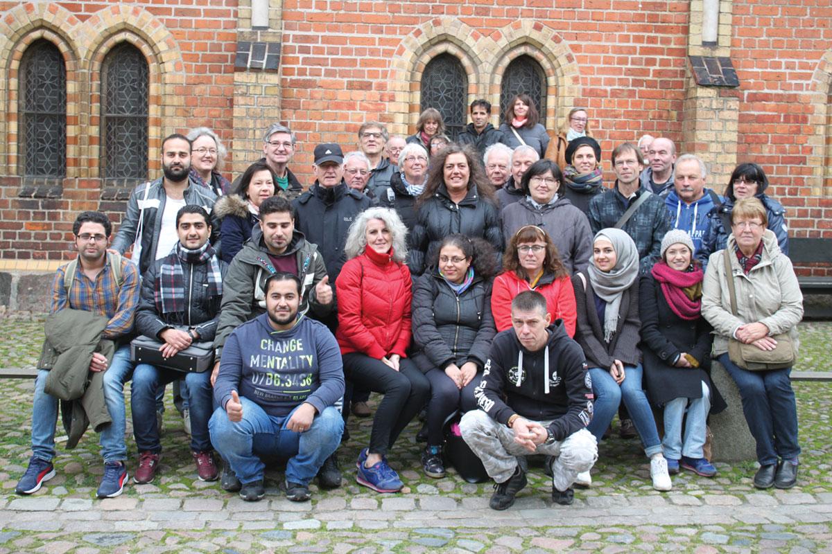 Rund 40 Freiwillige auf Kaffeekulturfahrt